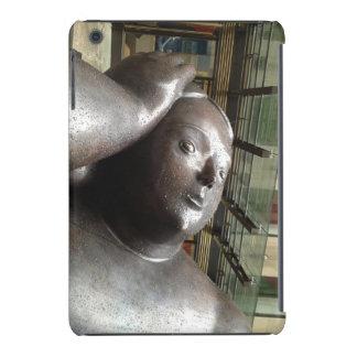 La escultura de Botero llora los rasgones reales Funda Para iPad Mini Retina