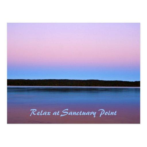 La esencia de la calma, se relaja en el punto del tarjeta postal