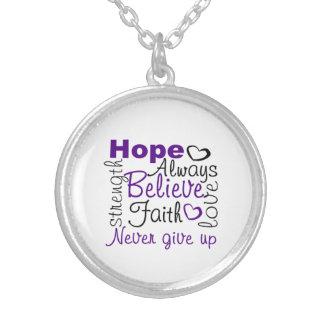 La esperanza cree siempre nunca da para arriba el collar plateado