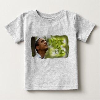 La esperanza de la camiseta del bebé está aquí