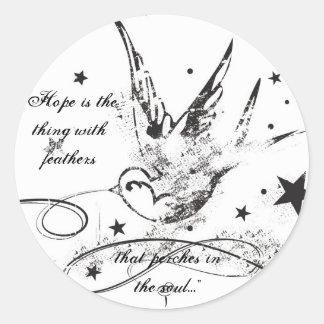 """La """"esperanza es la cosa con las plumas… """" pegatina redonda"""