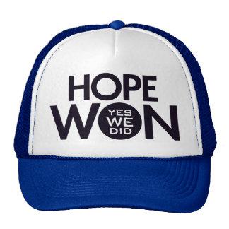 La esperanza ganó el gorra