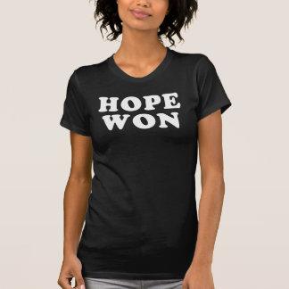 La esperanza ganó la camiseta de la victoria de
