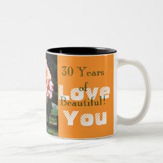 La esposa 30 años de tazas hermosas le ama los ros