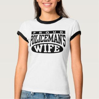 La esposa del policía playera