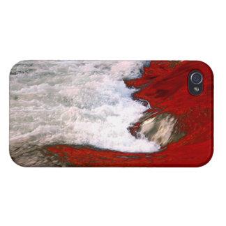 La espuma blanca detiene al río de lava roja iPhone 4 carcasa