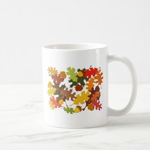 La estación del otoño de la caída deja diseño del taza clásica