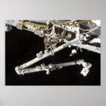 La estación espacial Canadiense-construida Poster