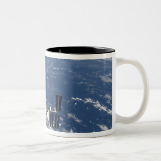 La estación espacial internacional 14 taza de café de dos colores
