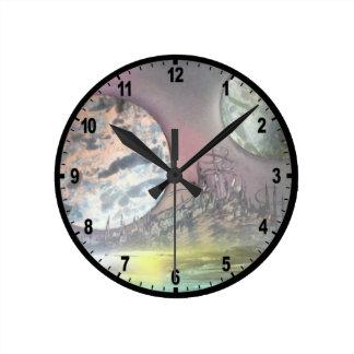 La estación espacial reloj redondo mediano