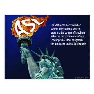 La estatua de la libertad enciende su antorcha postal