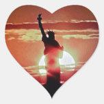 La estatua de la libertad pegatina corazón