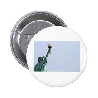 La estatua de la libertad pin redondo 5 cm