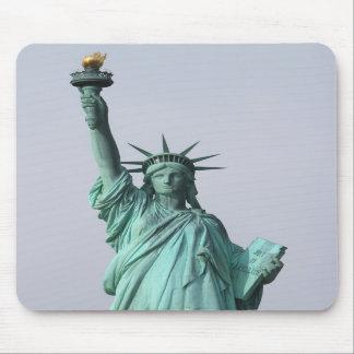 La estatua de la libertad tapetes de ratón