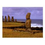 La estatua de Moai de la plataforma de Tahai Tarjeta Postal