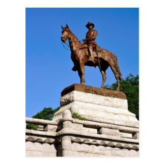 La estatua de Ulises S. Grant encima del Grant Postal