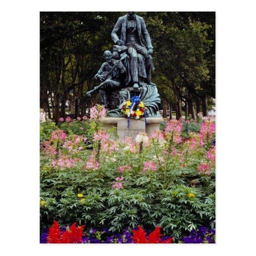La estatua roja honra Pittsburgh Stephen nativo ad Tarjeta Postal