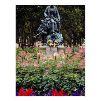 La estatua roja honra Pittsburgh Stephen nativo ad Tarjetas Postales