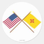 La estrella cruzada y New México de los E.E.U.U. Pegatina Redonda