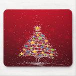 La estrella cubrió el árbol de navidad alfombrillas de raton