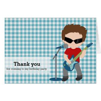 La estrella del rock le agradece tarjeta de felicitación