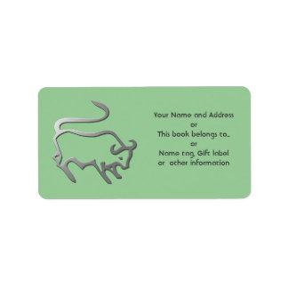 La estrella del zodiaco del tauro firma adentro la etiquetas de dirección