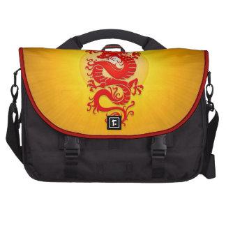 La estrella estalló el dragón chino, el rojo y el  bolsas para portátil