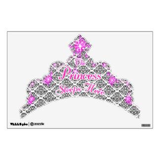 La etiqueta de princesa Sleeps Here Crown Wall Vinilo Adhesivo