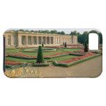 La fachada del jardín del Trianon magnífico, 1687 Funda Para iPhone SE/5/5s