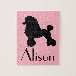 La falda rosada adaptable del caniche inspiró rompecabezas con fotos