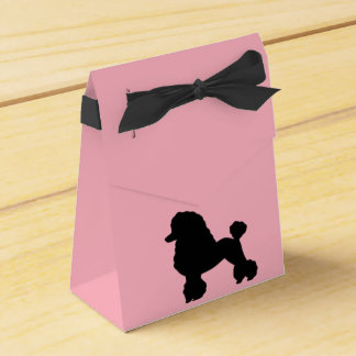 la falda rosada del caniche de los años 50 inspiró caja para regalos