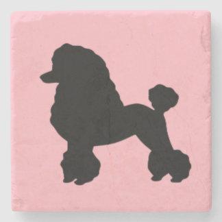 la falda rosada del caniche de los años 50 inspiró posavasos de piedra