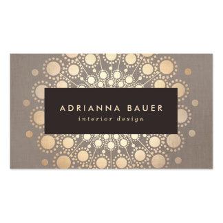La falsa hoja de oro elegante elegante circunda de tarjetas de visita