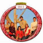 La familia 2011 junta el ornamento del navidad de  esculturas fotográficas