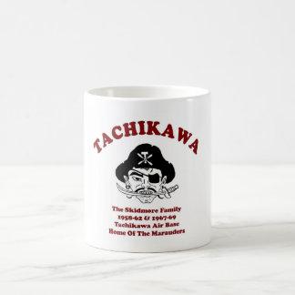 La familia de Skidmore - Tachikawa AB Japón Taza Básica Blanca