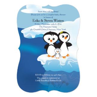 "La familia del pingüino junta la fiesta de invitación 5"" x 7"""