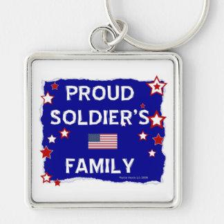 La familia del soldado orgulloso llavero cuadrado plateado