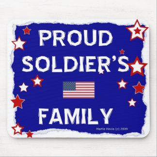 La familia del soldado orgulloso - Mousepad