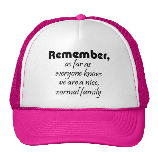 La familia divertida cita los gorras del camionero