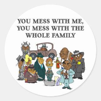 La familia entera pegatina redonda