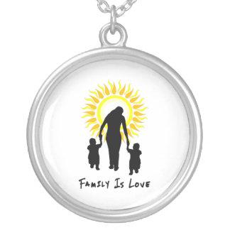 La familia es amor Sun Colgante