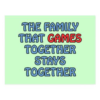 La familia esa juegos junto tarjetas postales