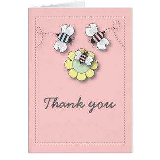 La familia feliz de la abeja en rosa le agradece c felicitacion