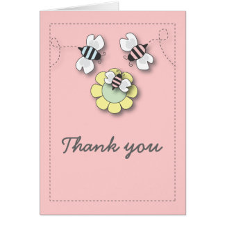 La familia feliz de la abeja en rosa le agradece c tarjeta pequeña