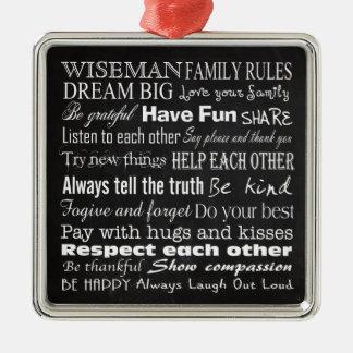 La familia gobierna el ornamento personalizado adorno navideño cuadrado de metal