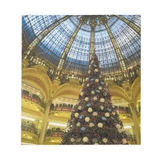 La Fayette en el navidad, París, Francia de Galeri Bloc De Papel
