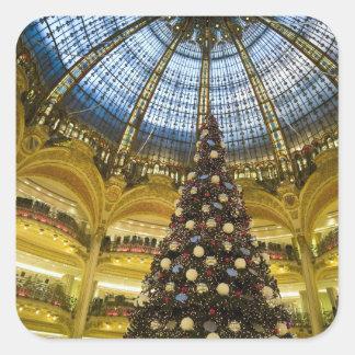 La Fayette en el navidad, París, Francia de Calcomanías Cuadradases