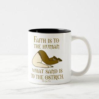 La fe es arena taza de dos tonos