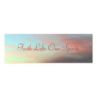 La fe levanta nuestras bebidas espirituosas tarjeta de negocio
