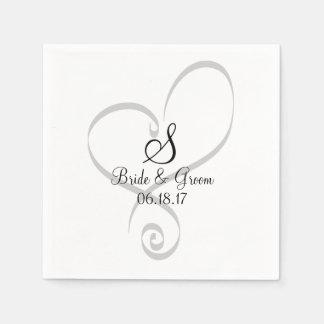 La fecha del monograma del corazón del boda nombra servilleta de papel